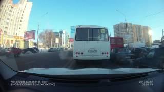 Воронеж  ДТП! Пазик вылетел из полосы и задел авто