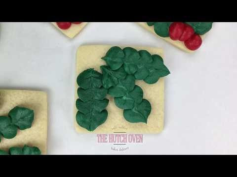 How to make Holly Christmas cookies using buttercream frosting
