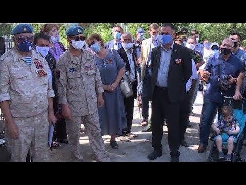 В Душанбе почтили память погибших воинов