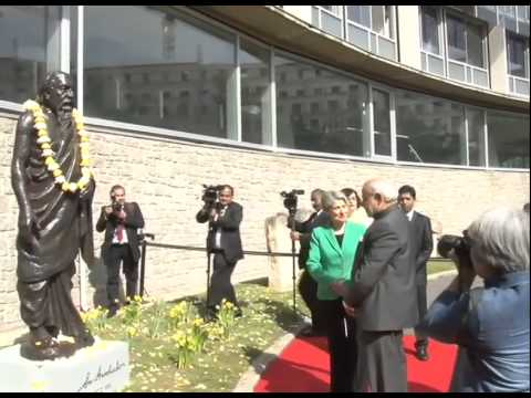 PM Modi meets UNESCO Director General Irina Bokova