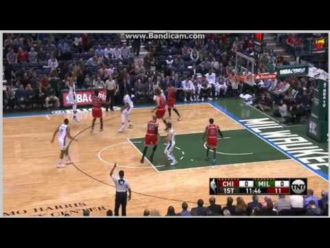 Giannis Antetokounmpo 3-Pointer - Milwaukee Bucks vs. Chicago Bulls - NBA - 15/12/2016
