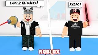 Lasergun oder Schwert? Was wollen Sie? - Roblox würdest du lieber mit Panda?