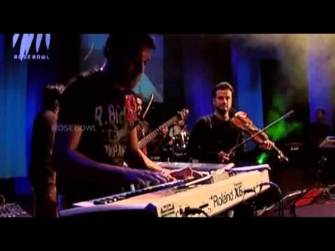 Mementos the Concert - Naresh Iyer sings 'Roobaroo'
