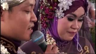 Video Live Beautiful Wedding Party Sing A Song Janji Suci Yovie Nuno download MP3, 3GP, MP4, WEBM, AVI, FLV September 2017