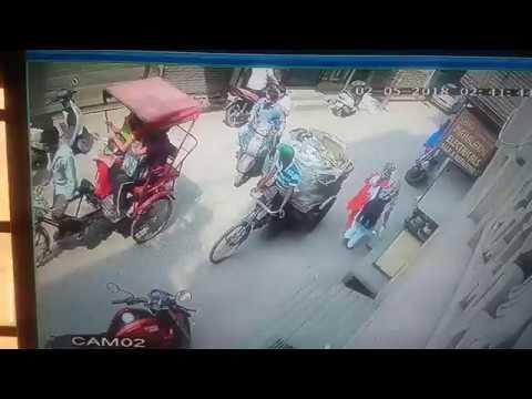 Eterno Scooter Overtake Accident Leg Broken Youtube