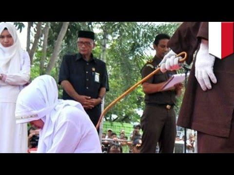 Hukum cambuk di Aceh menjadi daya tarik wisata bagi turis Malaysia - TomoNews
