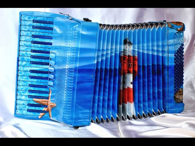 Customized accordion - Roter Sand - Gestaltung eines Instrumentes