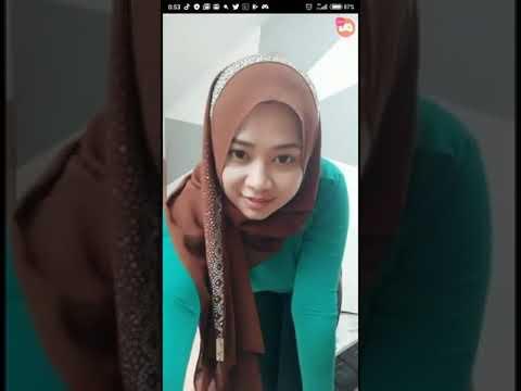 Bigo Live • Cewe Hijab Goyang Hot Guys.