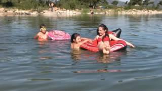 видео Надувные матрасы для плавания