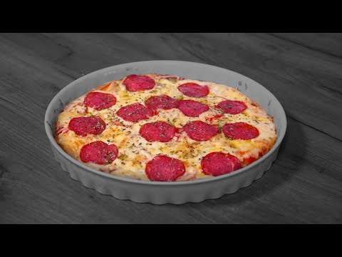 Видео: Пицца на кефирном тесте. Попробуйте такой вариант