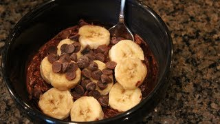No Cook Bodybuilding Oatmeal Breakfast:  Chocolate Overnight Oatmeal