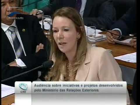Senadora Vanessa fazendo perguntas ao Ministro Antonio Patriota na (CRE)