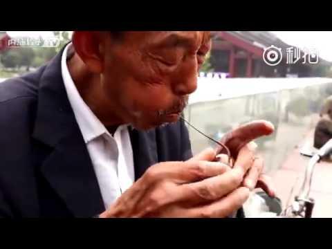 The vanishing art of sugar blowing: How Chinese street artist creates sugar bunny