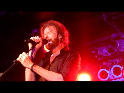 Ronnie Dunn - Chicago - Bleed Red