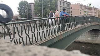 Поисковый магнит в Санкт Петербурге Ипподромный мост качок это выкинул в воду