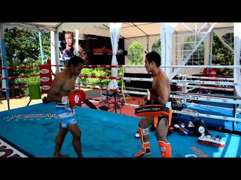 Saenchai Training With Phol Sityodtong At Muay Thai Combat Camp - Twitter @yokkaoboxing