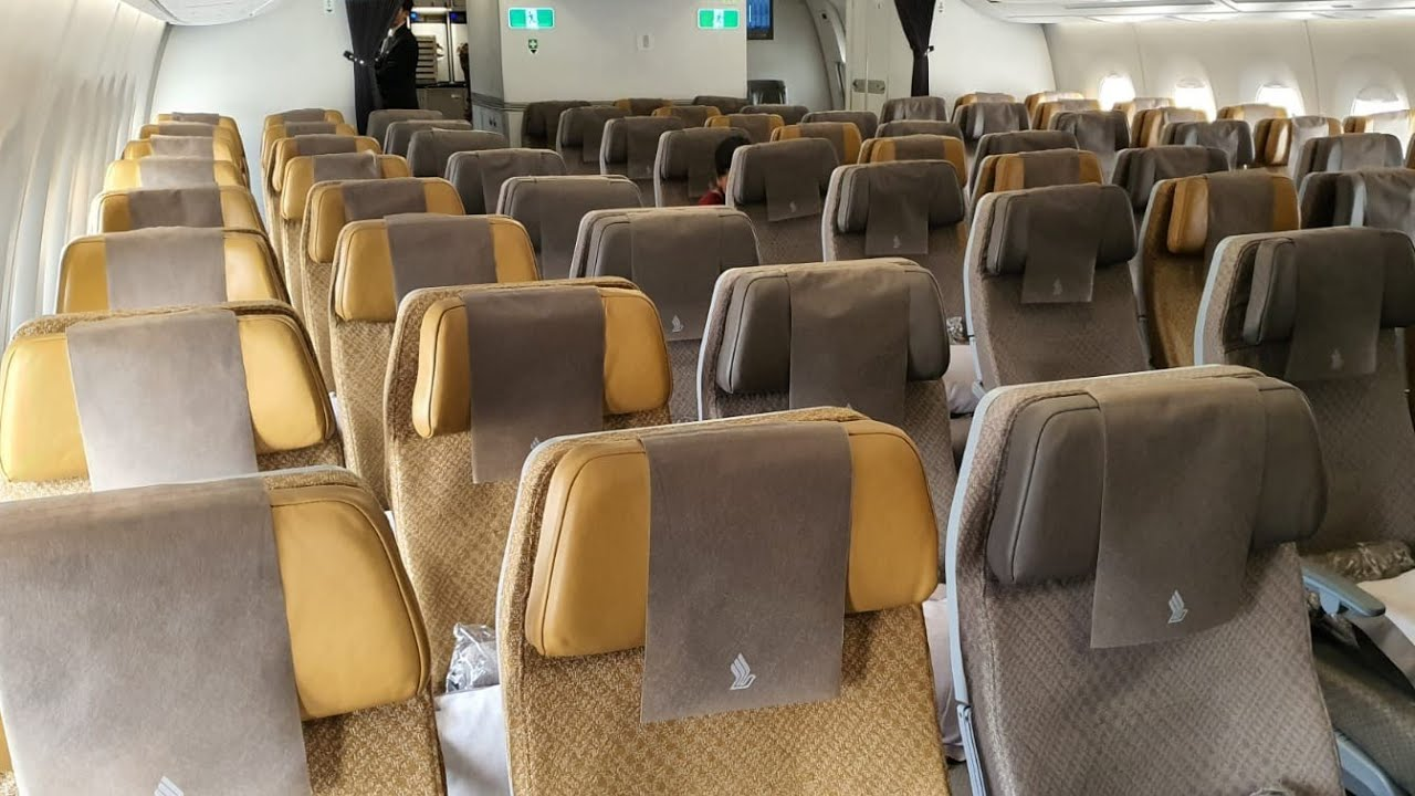 BOARDING SINGAPORE AIRLINES\' NEW AIRBUS A350 - YouTube