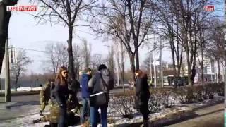 Момент взрыва на митинге в Харькове