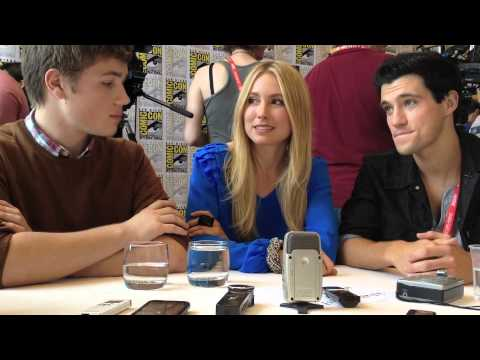 Comic Con 2012  Falling Skies Connor Jessup, Drew Roy and Sarah Carter talk Season 2