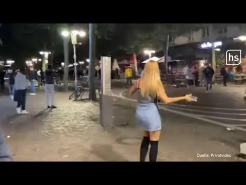 Randalierer werfen Flaschen am Frankfurter Opernplatz   hessenschau