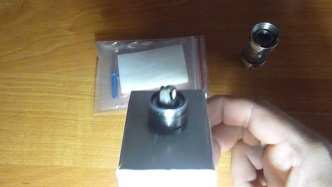 Стильный чехол для 2-х сигарет и жидкости (карбон). 80 грн. Стекло для бака eleaf ijust 2 5,5мл прозрачного цвета в стальном корпусе. Можно.