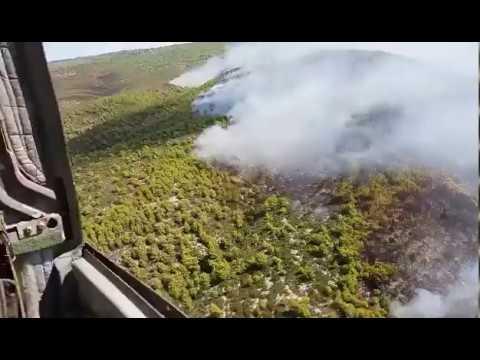 Κατάσβεση δασικής πυρκαγιάς στη Λευκάδα με ελικόπτερο CH-47D (Chinook) του 4ου ΤΕΑΣ