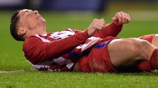 Fernando torres horrible head vs deportivo injury english commentary- players crying, very emotional