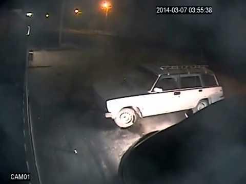 Поджег автомобиля в Таганроге 7 марта 2014 3:54 (Мазда и четверка)