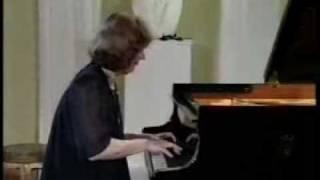 Anna Malikova - Chopin Waltz op.70 no.1