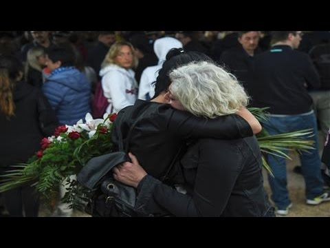 Italy Quake Survivors Struggle to Recover