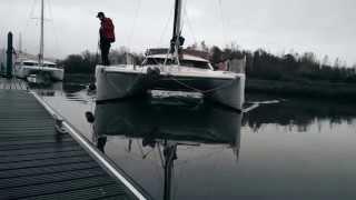 Catamaran docking