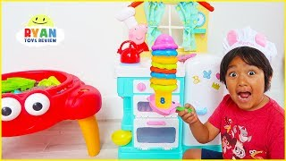 Ryan Pretend Play Cooking Food with Peppa Pig Kitchen Playset!!!