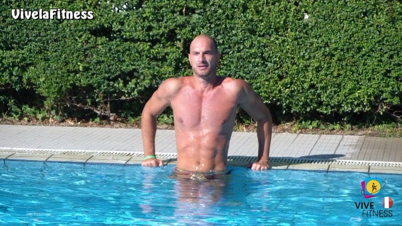 Favori Exercices pour les pectoraux et les bras à la piscine - YouTube LZ03