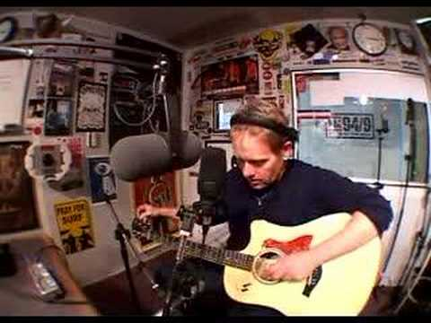 dave wakeling tunes his twanger to d a d a a d