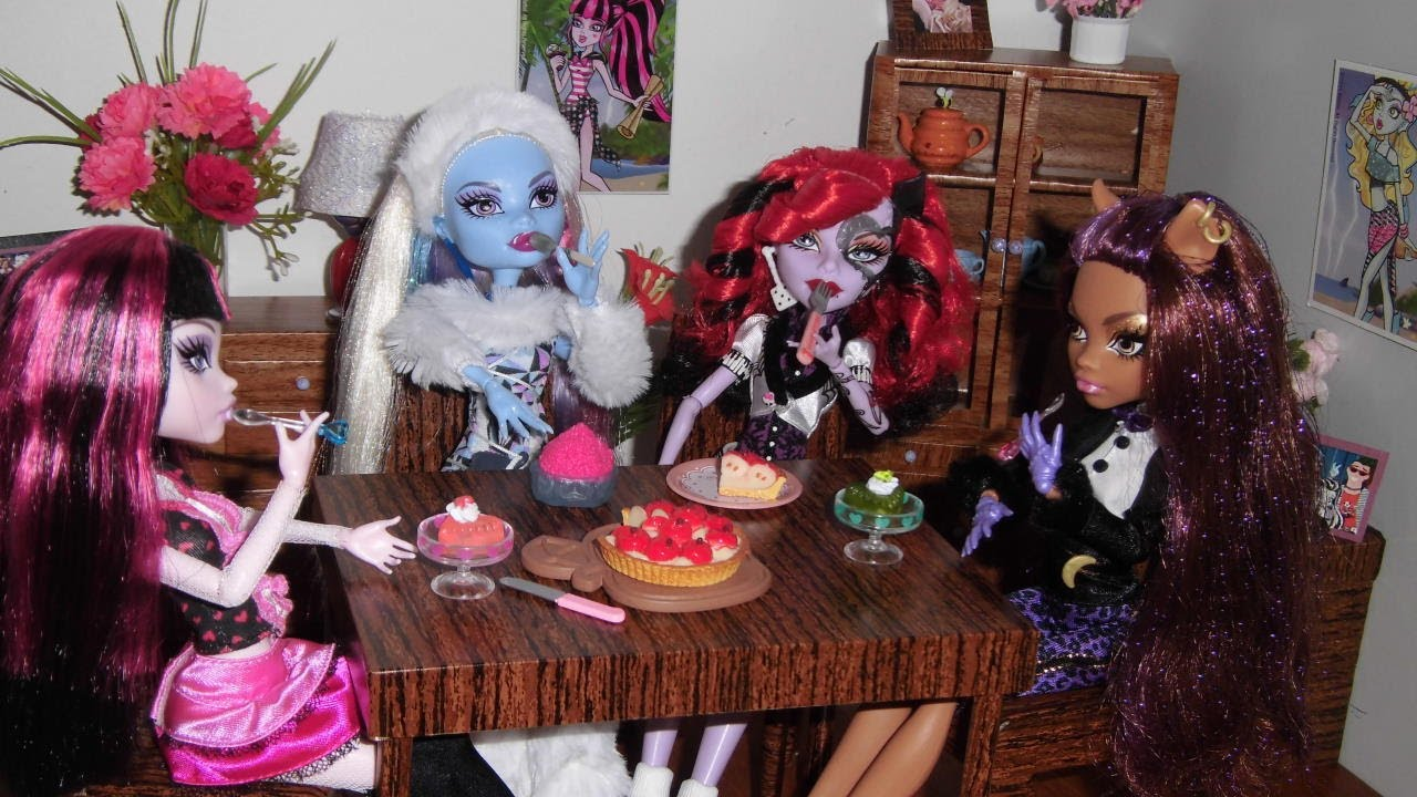 Casa das monster high sala de jantar dolls 39 dining room doll house youtube - Casa de monster high ...