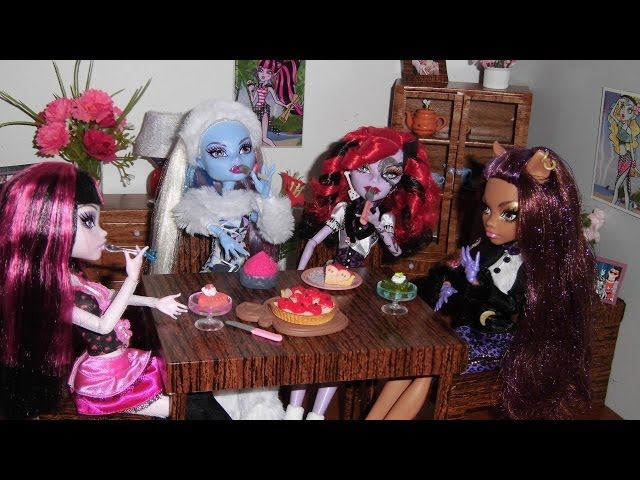 Casa das Monster High: Sala de Jantar (Dolls' Dining room - doll house) Travel Video