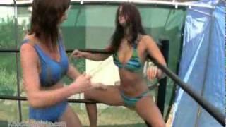 Repeat youtube video Cali Logan vs Christie Ricci