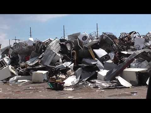 Garbage Picking and Scrapping Metal At The Recycling Center!