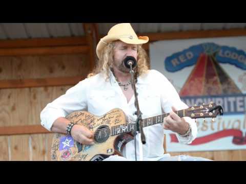 Anthony Smith performs Saturday night
