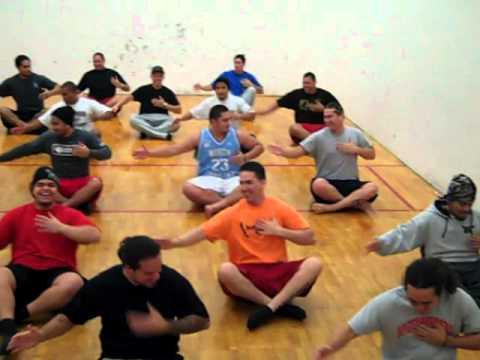 UMwestern Poly club 2011 Fijian Dance (Meda Butu)