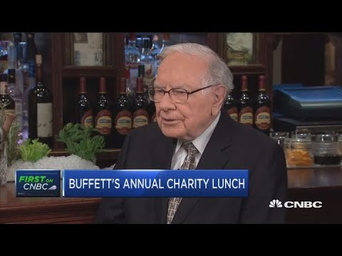 Warren Buffett on Apple, the Fed, Campbell and buybacks Mp3
