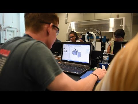 Army Mentors Students, Educators In 3-D Design and Printing