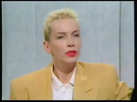 Eurythmics - Interview with King & Queen acoustic (Wogan 1989)