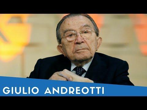 Giulio Andreotti in 25 sue frasi (+ mini biografia)