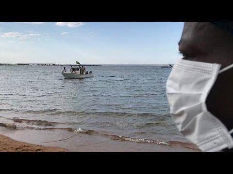 انتشال رجل على قيد الحياة بعد يومين من غرق عبارة في تنزانيا…  - نشر قبل 2 ساعة
