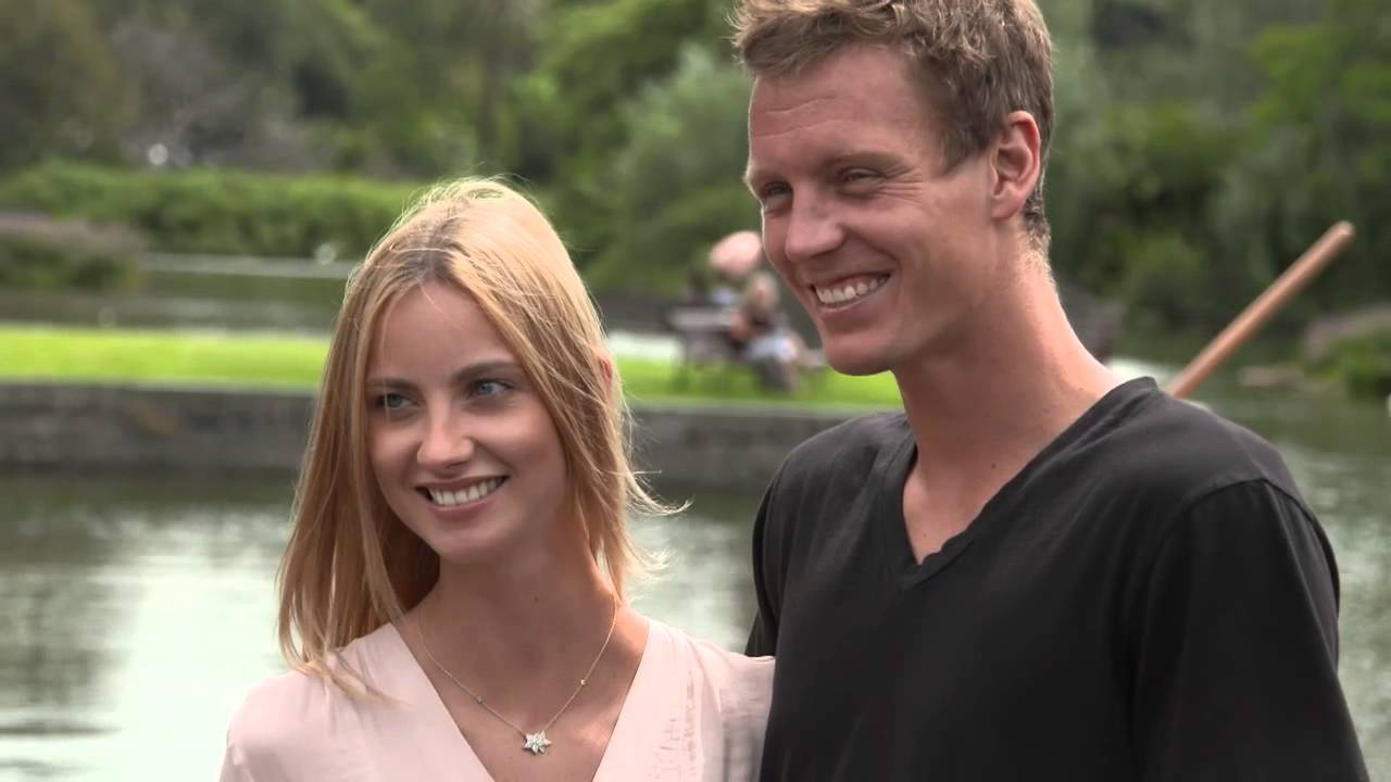 Love Is In The Air Tomas Berdych Proposes To Model Girlfriend Ester