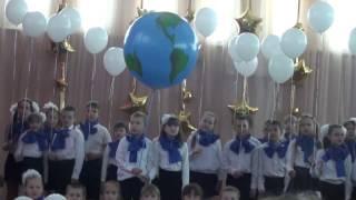 """Крутое выступление 4 """"Б"""" класса с песней - Мир без войны (Опен Кидс)"""