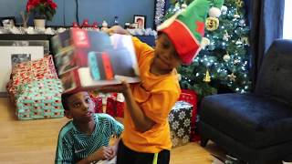 CHRISTMAS DAY OPENING PRESENTS