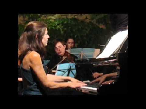 Rebecca Chaillot plays Schumann's Piano Concerto's Intermezzo