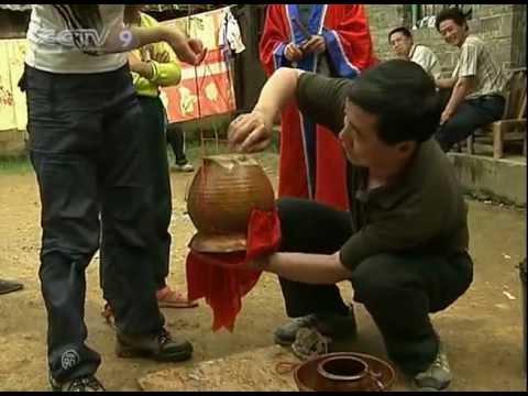 【Around China HQ】 Miao Shaman Performing Magic